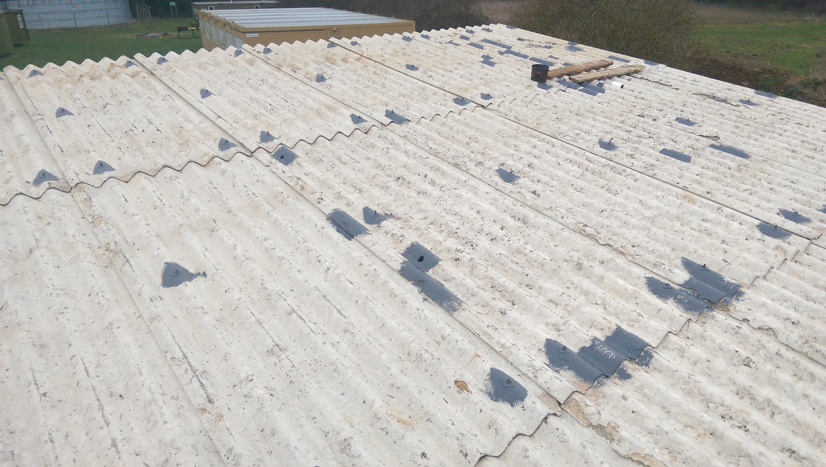 Asbestos roof crack repair